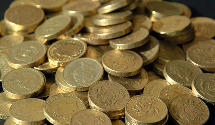 A pile of £1 coins