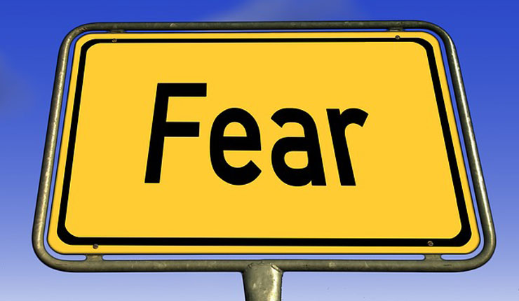 A sign saying 'fear'