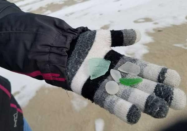 woodland-beach-delaware-in-winter-sea-glass-treasure