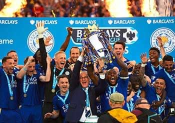 Leicester City celebrate winning the Premier League in 2015/16.